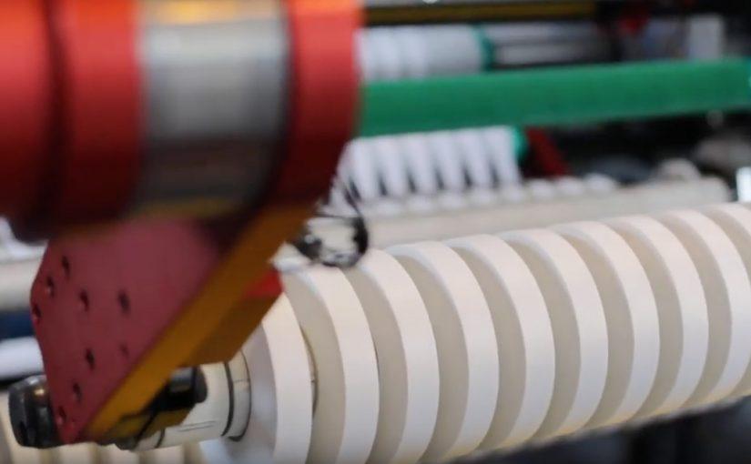 Cortadora rebobinadora de cintas adhesivas