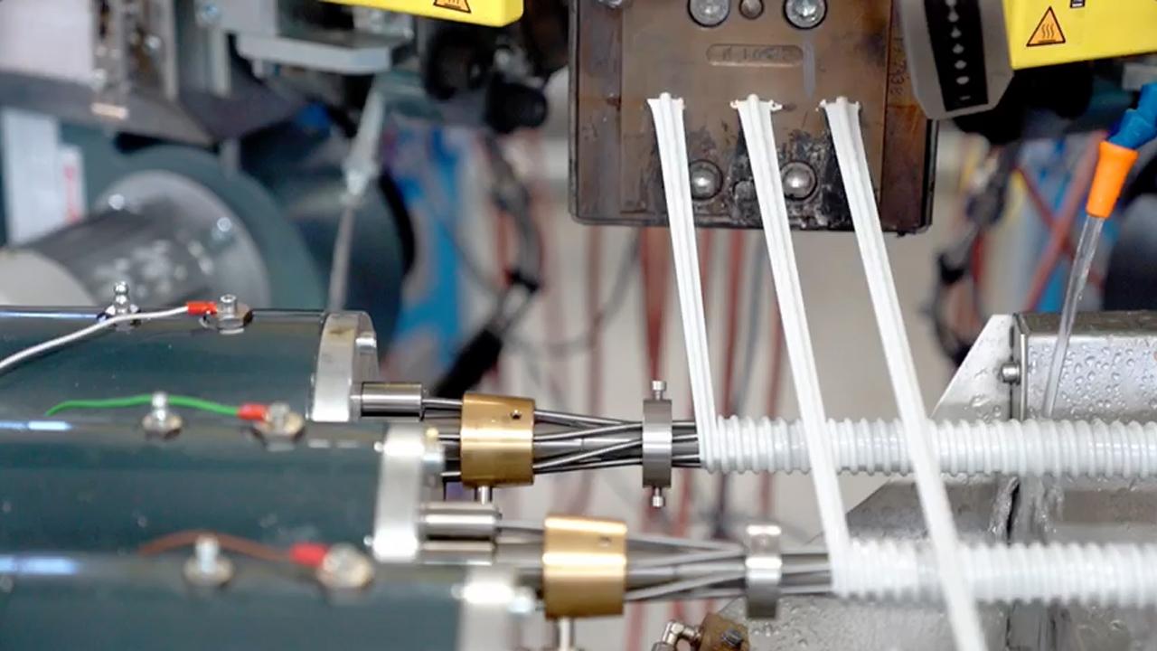 Producción de hasta 3 tubos espiralados a la vez.