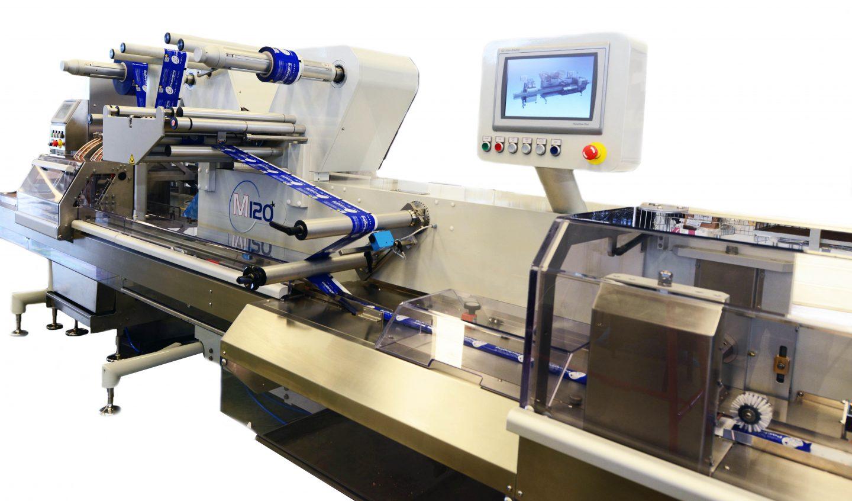M120, máquina para envasado flow pack de una pista de producción.