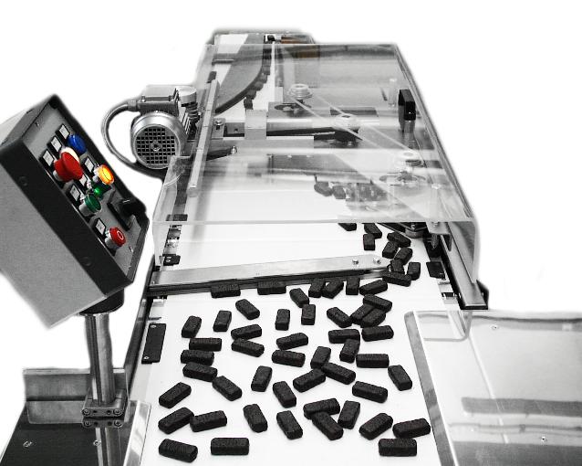 El sistema de alineación AL251C orienta y permitir el flujo de pequeños productos pudiendo rechazar aquellos que no cumplen las necesidades estipuladas.