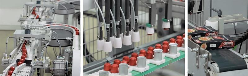 Diferentes partes del proceso de estuchado de las cápsulas de aluminio para café. Transporte de las cápsulas de aluminio hasta la unidad pick & place, llenado de los estuches preformados y producto acabado una vez sellado el estuche.